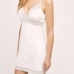 NWOT Anthropologie Eloise   Cream Slip Dress